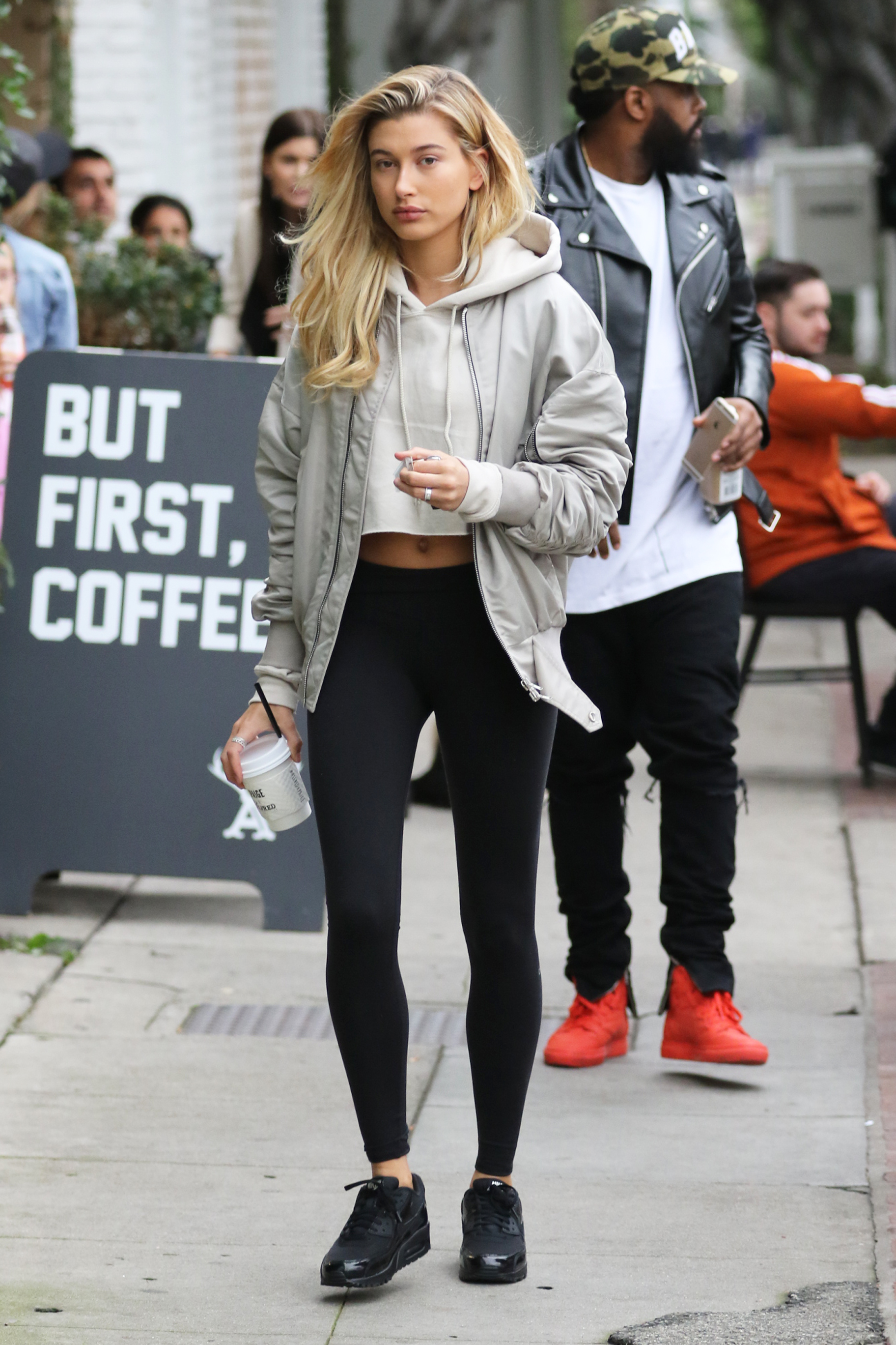 Hailey Baldwin grabs coffee at Alfred before shopping at Maxfield in West Hollywood. Pictured: Hailey Baldwin Ref: SPL1210725 180116 Picture by: LA Photo Lab / Splash News Splash News and Pictures Los Angeles:310-821-2666 New York: 212-619-2666 London: 870-934-2666 photodesk@splashnews.com