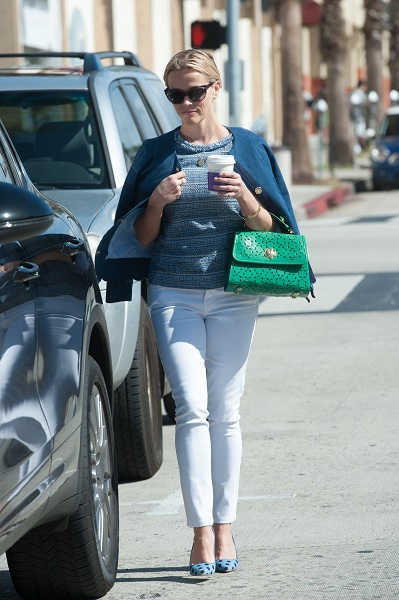 reese witherspoon white mother jeans