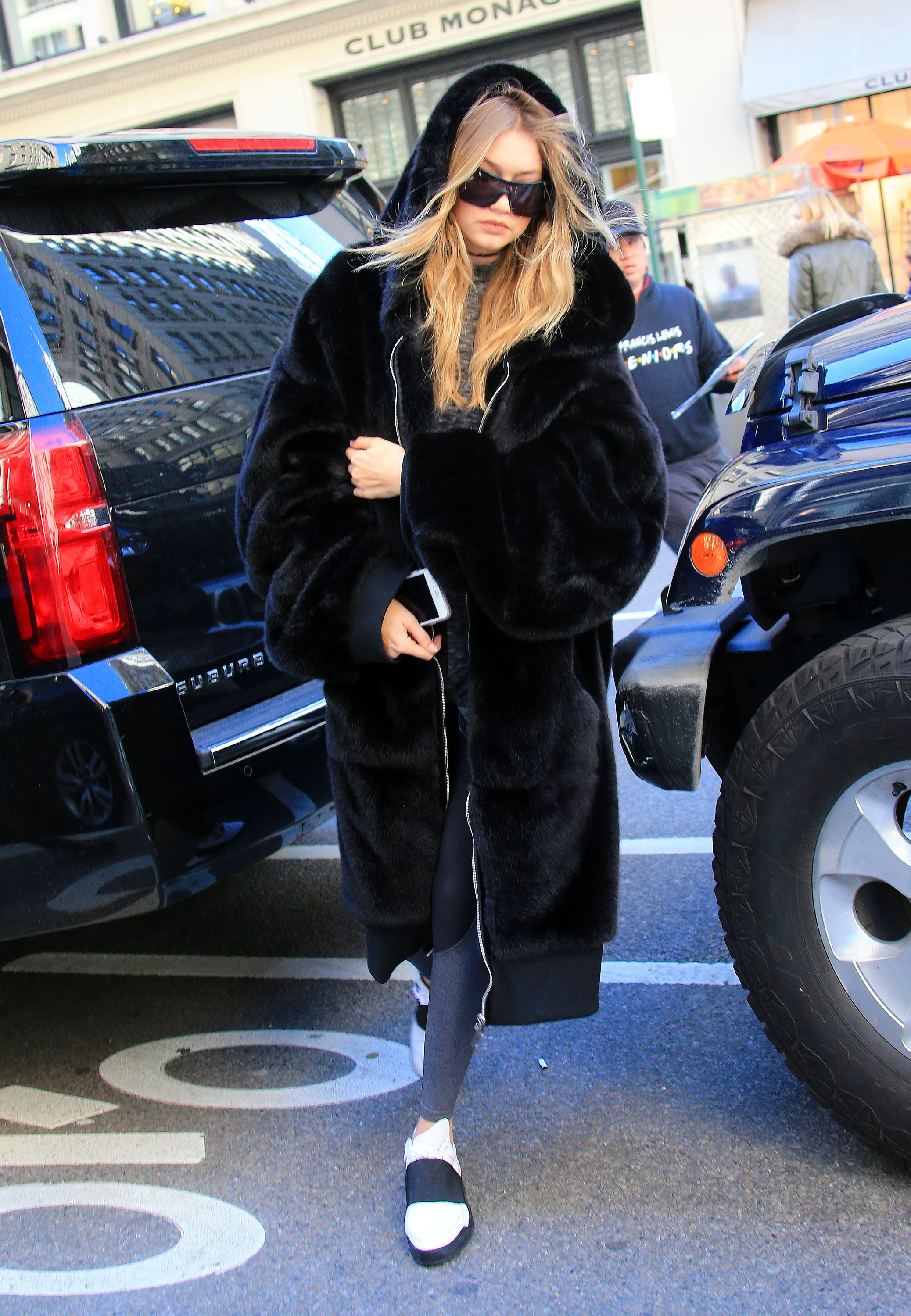 Gigi Hadid maneuvers her way in between Midtown Manhattan traffic in NYC Pictured: Gigi Hadid Ref: SPL1248385 170316 Picture by: Jackson Lee / Splash News Splash News and Pictures Los Angeles:310-821-2666 New York: 212-619-2666 London: 870-934-2666 photodesk@splashnews.com