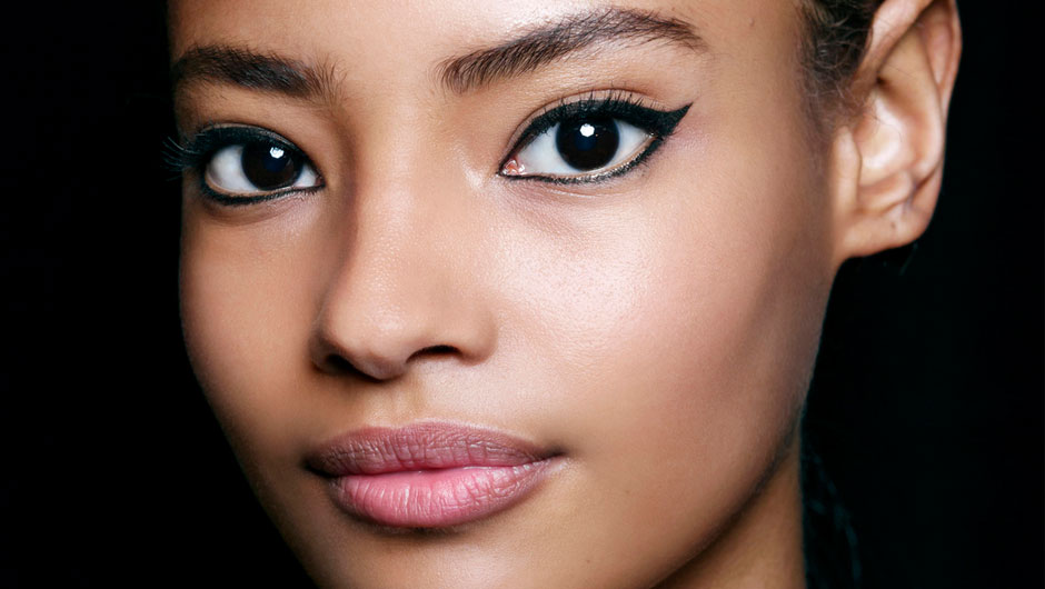 How To Do Perfect Cat Eye Makeup Shefinds