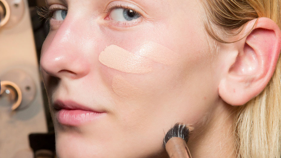 The 7 Best Drugstore Foundations With The Highest Customer Ratings