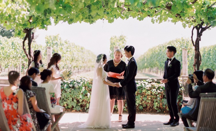 8 Things Brides Forget To Do Right Before They Walk Down The Aisle