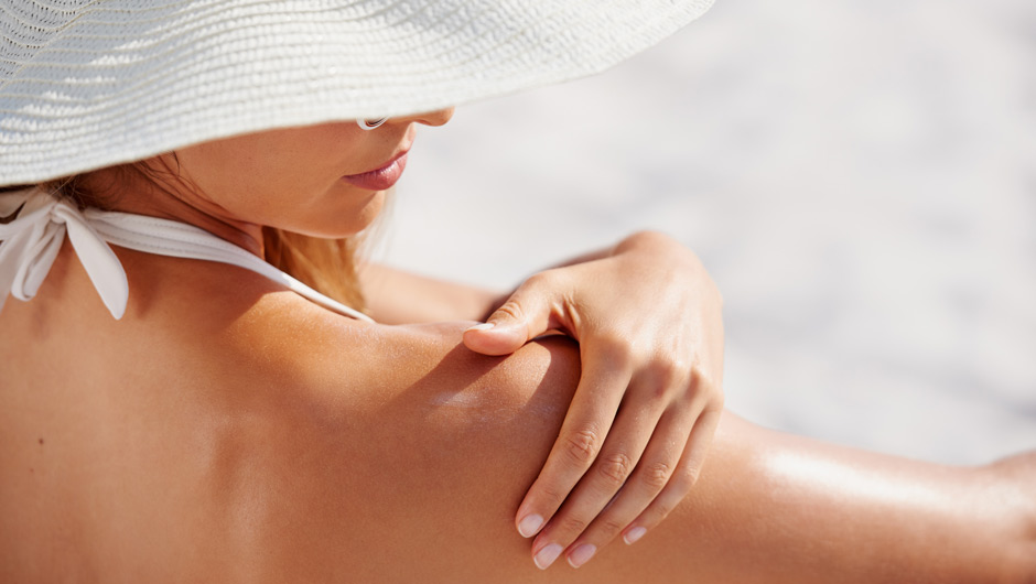 The Right Way To Apply Sunscreen, Once And For All