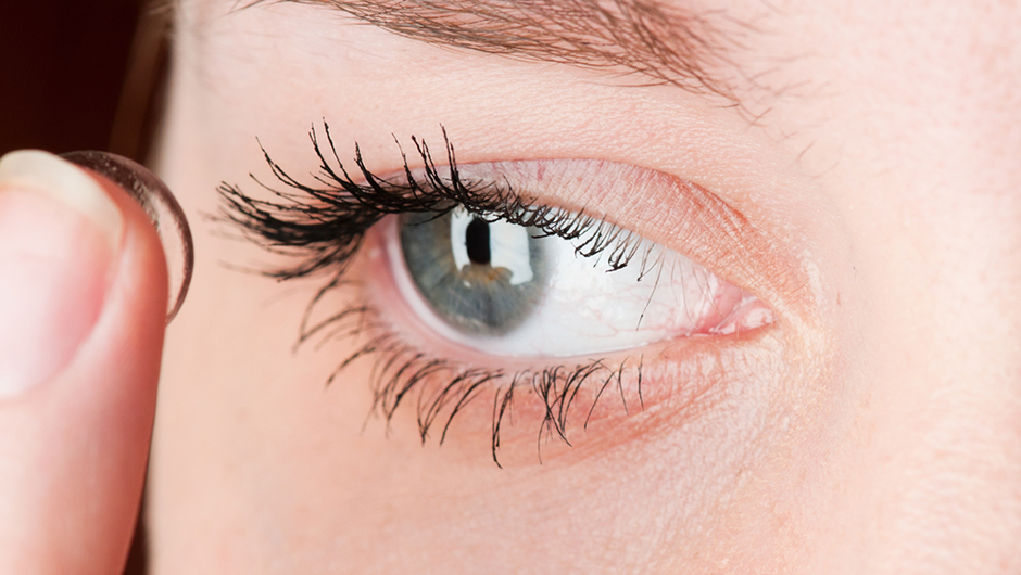 The One Thing You Should Never Do When Wearing Contacts