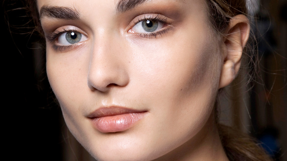 8 Useful Tricks For Anyone Who Uses Foundation