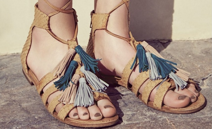 Nordstrom Has Tons Of Crazy Cute Sandals On Sale For Under $50--Including Those Cult TOMS Wedges