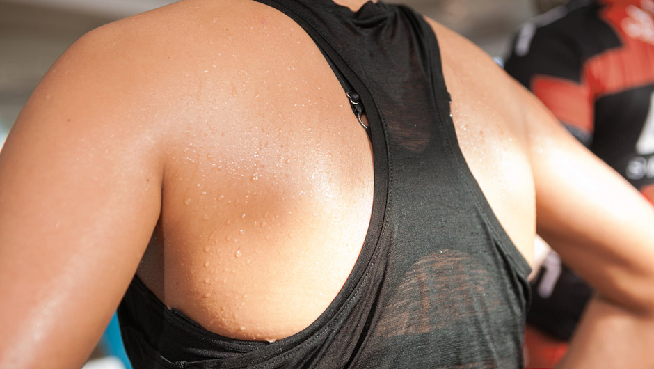 10 Summer Struggles Every Woman With Big Boobs Understands