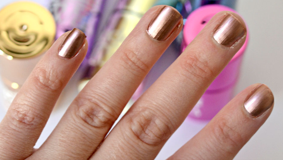 How To Make Metallic Nail Polish | How To Make Nail Polish Metallic