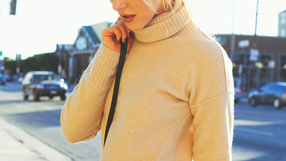 how to stretch a sweater out without damaging it if you