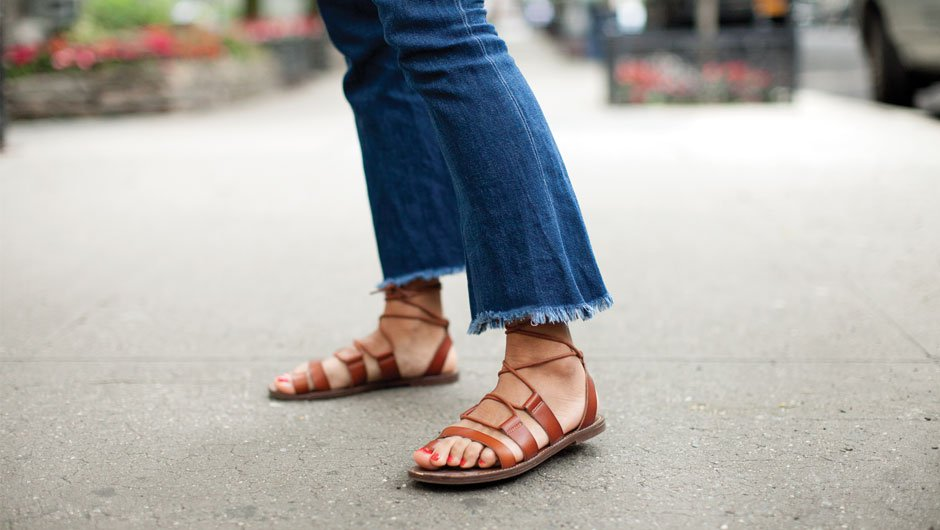 How To Wear Crop Flare Jeans If You're Short