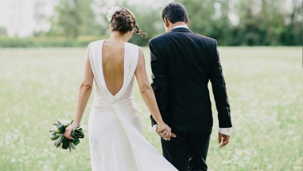 7 Mistakes Brides Make When Planning a Holiday Season Wedding