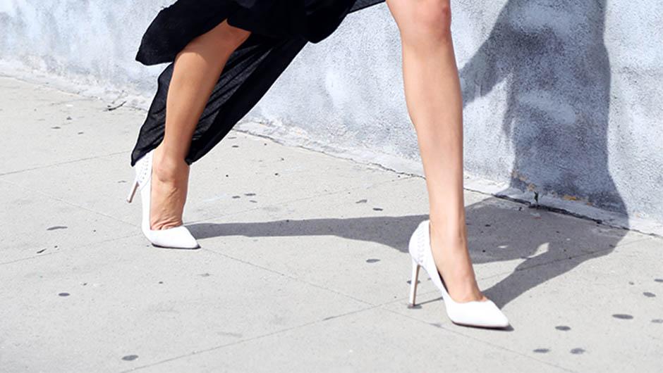 How To Walk In Heels - SHEfinds