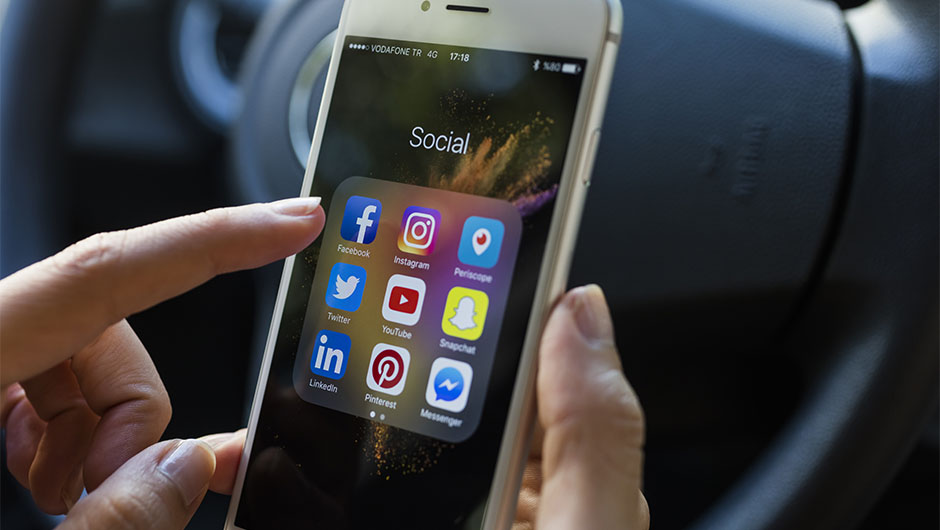 How To Break An Addiction To Checking Your Social Media Feeds