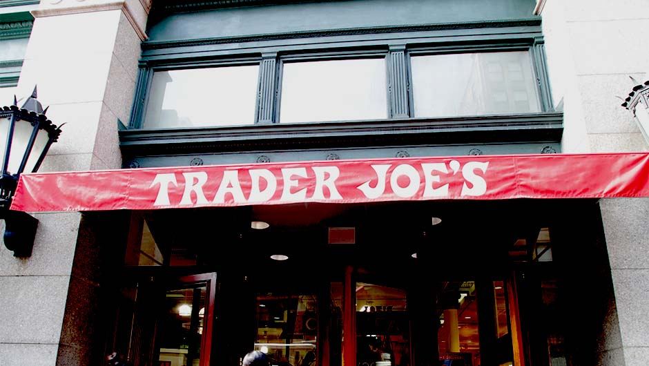 The 7 Best (And Cheapest!) Alcoholic Drinks At Trader Joe's