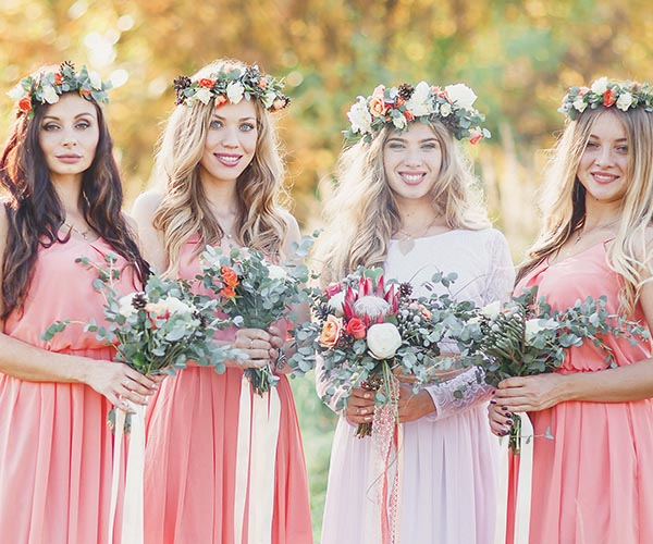 1 Fl Wreaths The Hysteria Over And Crowns Has Caused A Lot Of Brides To Go Rushing Their Florists For Them Even If They Don T