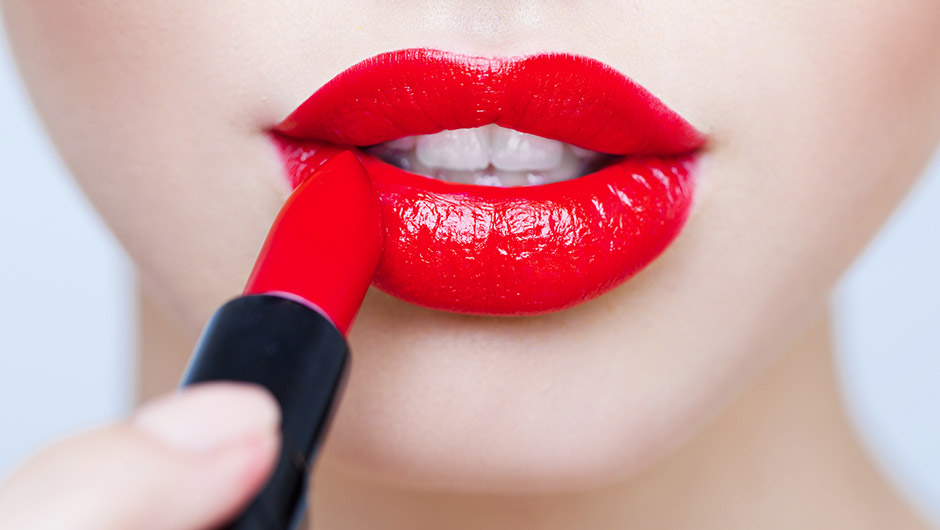 The Scary Reason The FDA Says Lipstick Is Bad For You