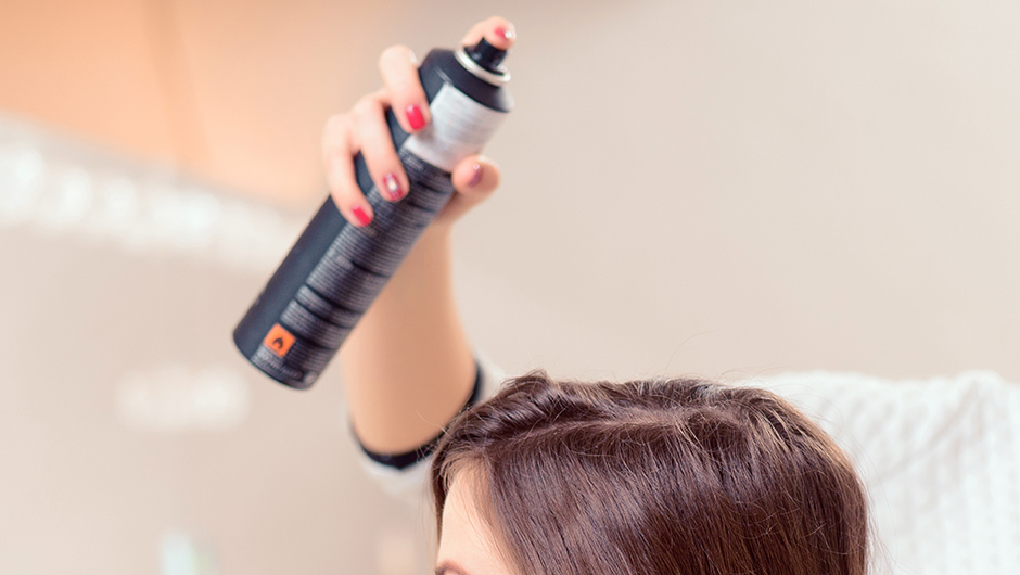 The Scary Reason You Shouldn't Use Dry Shampoo, According To A Dermatologist