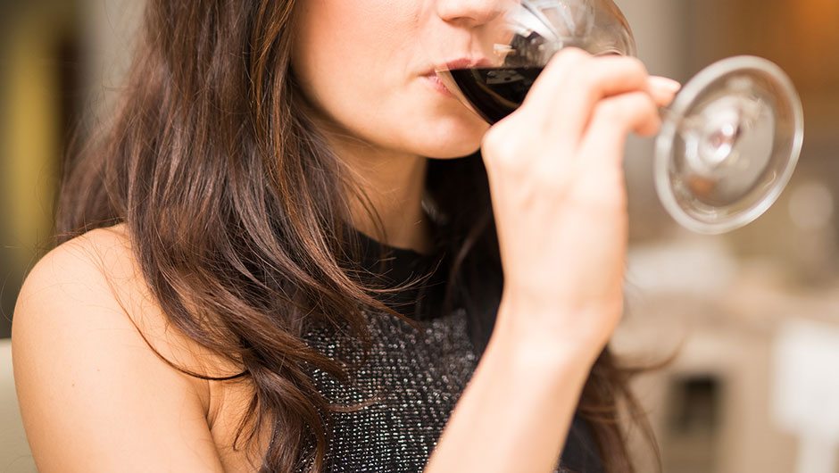 The One Drinking Mistake You're Making That's Slowing Your Weight Loss