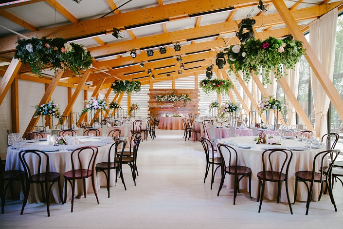 What to splurge on for wedding most brides are on some kind of budget for their wedding planning but there are certain expenses you dont want to skimp on here are six that are worth junglespirit Gallery