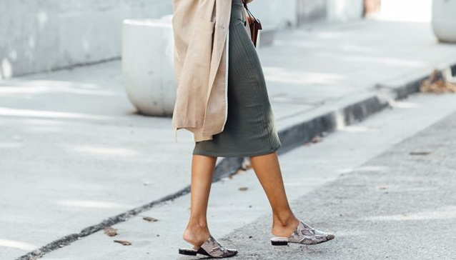 Not Sure How To Wear Mules This Season? These Cute Outfit Ideas Will Help