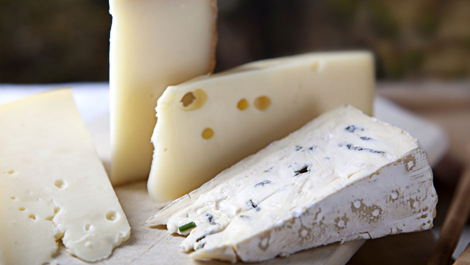 The One Cheese You Should Eat For Weight Loss, According To Dietitians