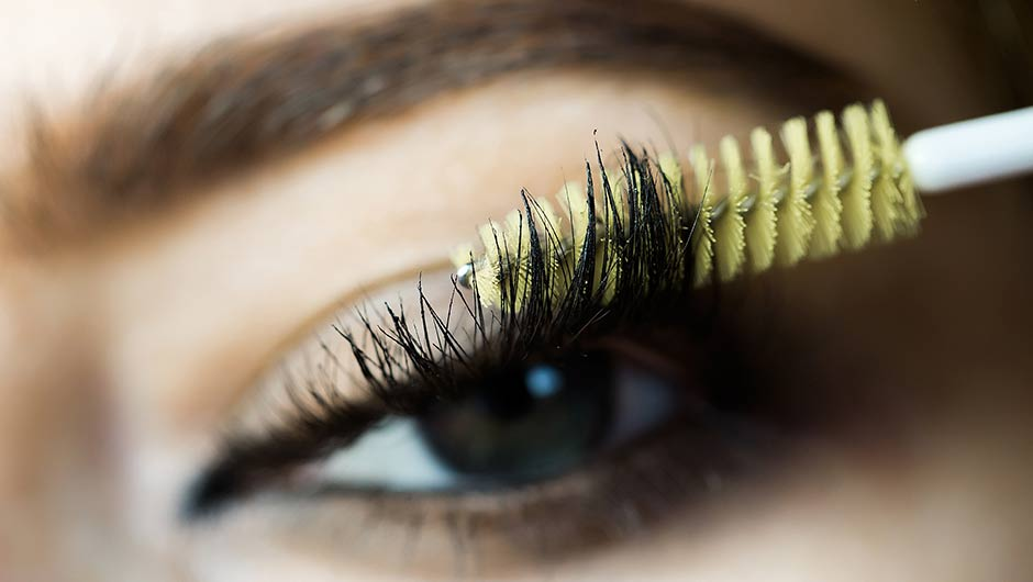 These Are The 10 Most Popular Waterproof Mascaras On Makeup Alley