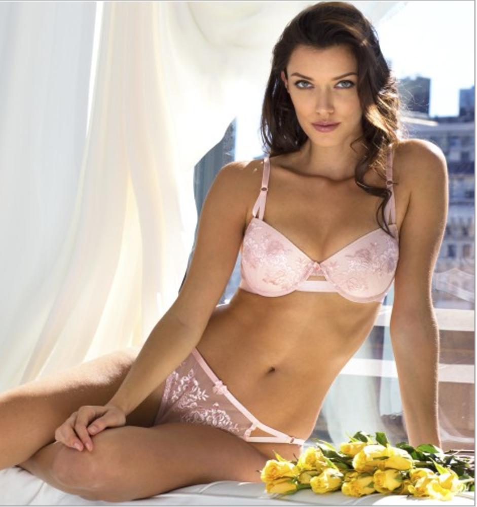 Sexy full figure bras
