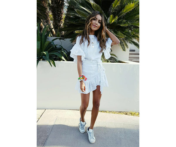 20960c7dcef How To Wear Stan Smith Sneakers On A Date - SHEfinds