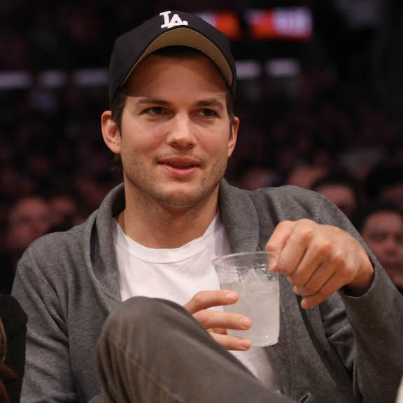 ashton kutcher twin brother