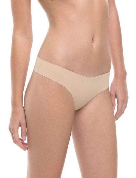 6844fca35 We Finally Found The Best Underwear To Wear With White Jeans