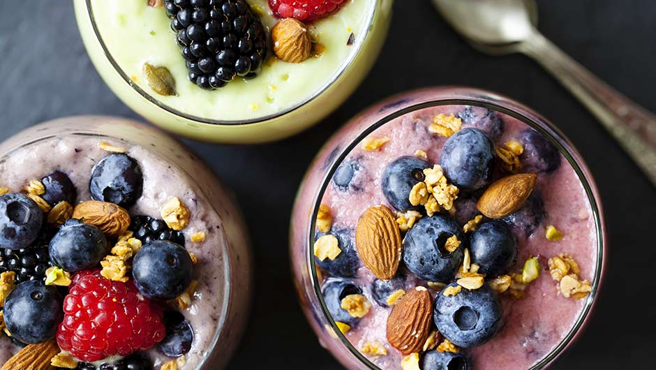 These Are The Best Smoothies To Make If You're Feeling Bloated