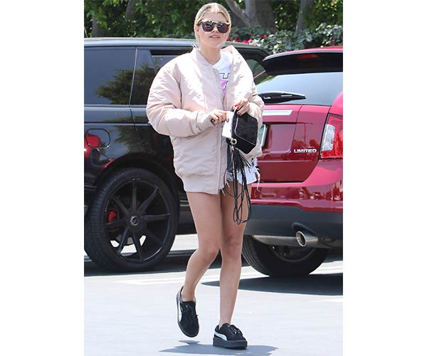 sneakers shorts