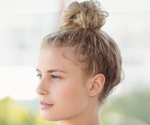 Strange 4 Pretty And Easy Hairstyles For Lazy Days Shefinds Schematic Wiring Diagrams Amerangerunnerswayorg