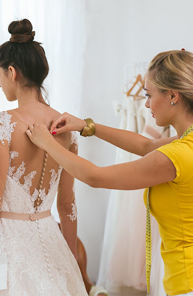 6 Things Brides Forget To Do At The Dress Fitting Shefinds