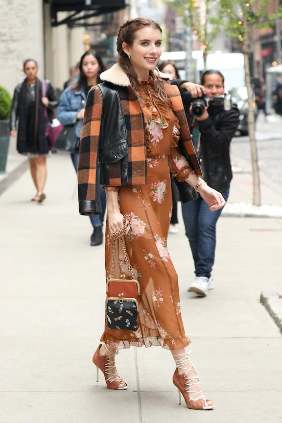 Emma Roberts no undies
