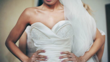 7 Things Brides Should Never Do When Wearing Their Wedding Dresses