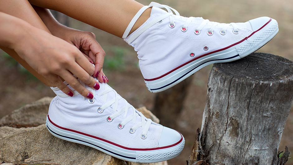 b6936e7a5f62ce How To Clean Your Converse   Make Them Look Brand New Instantly ...
