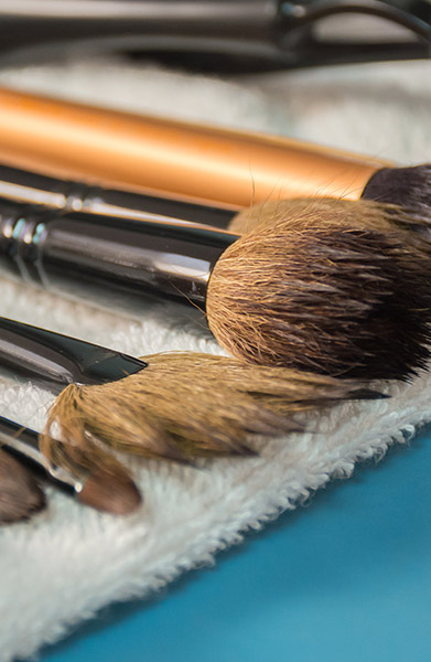 makeup brushes drying