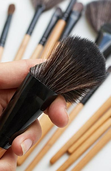 shaping makeup brushes
