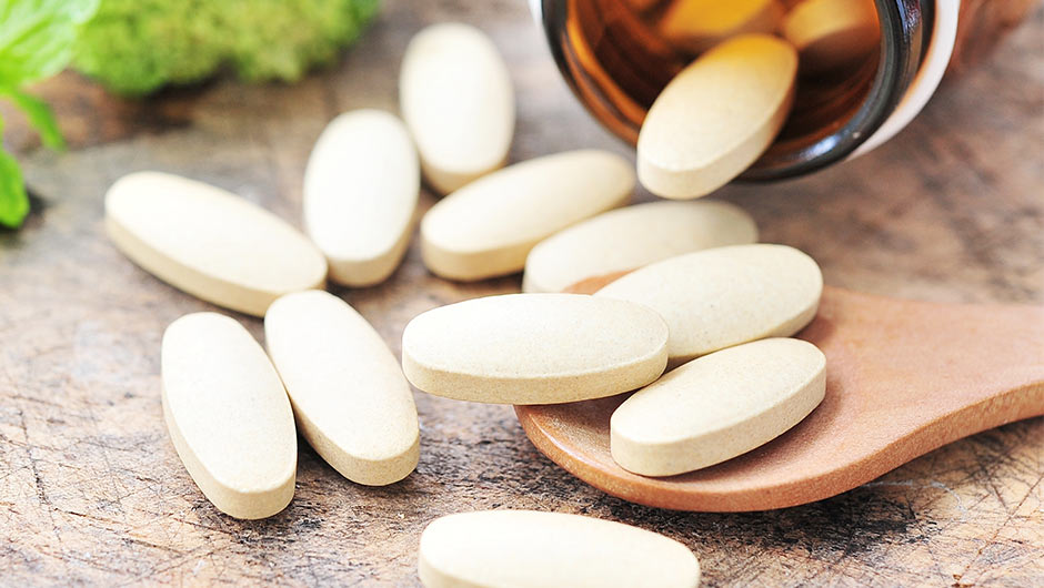 4 Vitamins Doctors Swear By For Your Hair, Skin & Nails