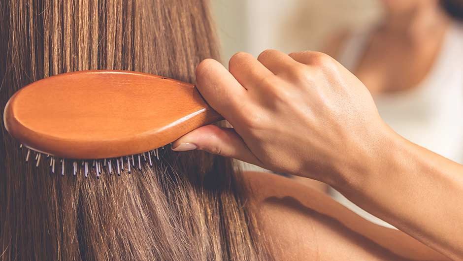 The One Styling Mistake That's Making Your Hair Thinner, According To A Celeb Hairstylist