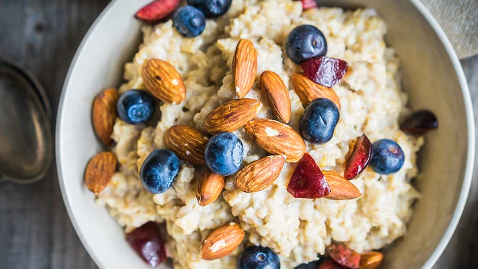 The One Low-Carb Breakfast You Should Eat To Speed Up Your Metabolism, According To A Doctor