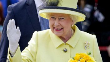 Hold Up: The Queen Of England Has HOW MANY Drinks In One Day?