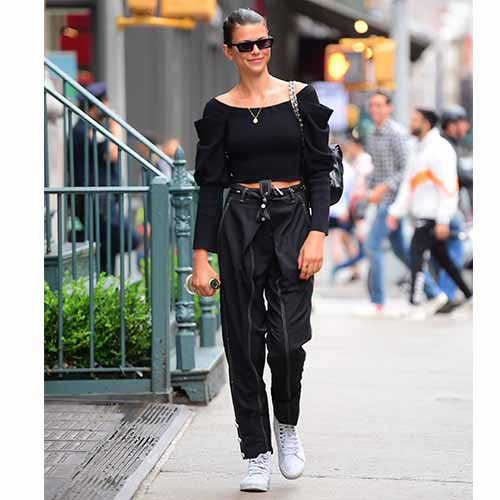 38e85e3572d What To Wear To A Concert  8 Tips For An Impeccably Cool Outfit ...