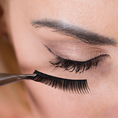 4c0406cc716 Shutterstock. I recently came across magnetic lashes on my ...