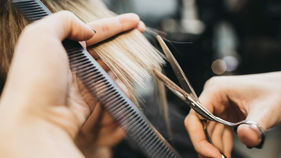 Your Hair Actually May Be AGING You, According To A Hairstylist