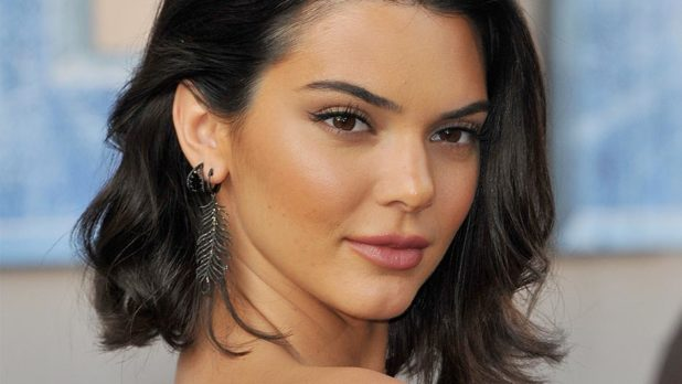 Kendall Jenner Just Chopped Off All Of Her Hair & Is Giving Us Major Kris Vibes