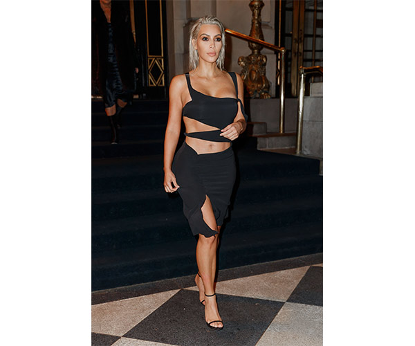 43f75080de Did Kim Kardashian Not Realize Her Bottoms Were Completely See ...