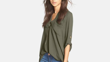 Nordstrom Shoppers <em>Love</em> This Super Flattering $27 Tunic