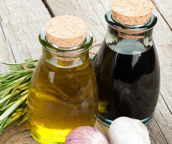 Make Your Own Oil And Vinegar Dressing At Home